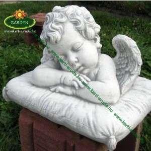 Párnán fekvő angyal szobor