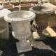 Utcai kő vázák
