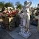 Korsós nő szobor csobogó