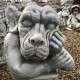 Troll szobor unatkozó