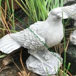 Kis galamb szobor
