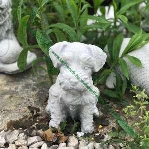 Kiskutya szobor