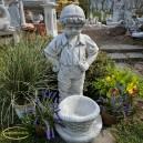 Virágkosaras fiú szobor