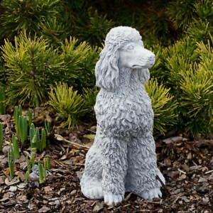 Uszkár kutya szobor
