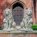 Ülő oroszlán jobbos nagyon szép kerti dísz