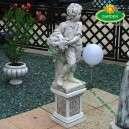 Fiú kerti szobor