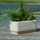 Fehérkavicsos virág láda kültéri