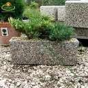 Gyöngykavicsos beton virágvályú