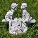 Kerti dísz libikókás gyerekek szobor