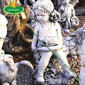 Copfos kislány kerti disz szobor