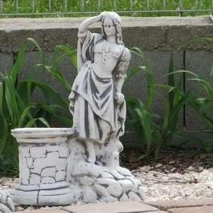 Bástya virágtartó női szobor