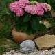 Különleges kerti szobrok süni a kicsinyeivel