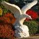 Turul madár orjás kő szobor