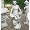 Vízköpő női szobor különlegesség
